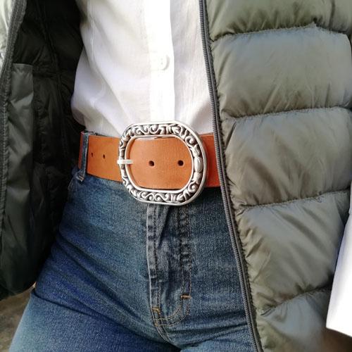 Cinturó de cuir amb sivella Baroque per a dona. Regal per la meva mare. Popelin Barcelona