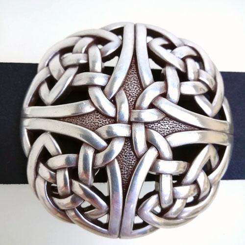 Cinturó de cuir amb sivella Celtic. Original i bonic. Popelin Barcelona