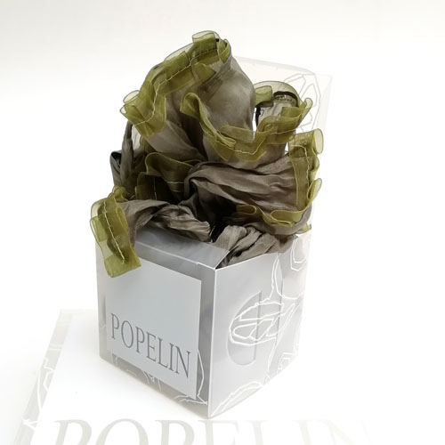 Fulard artesà de seda natural. Artesanía de Catalunya. Popelin Barcelona