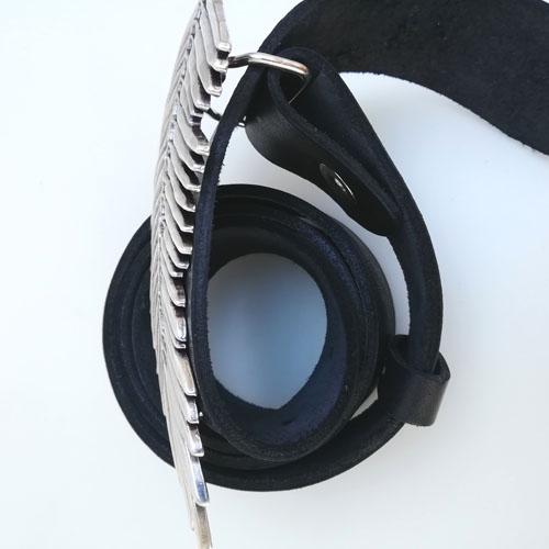 cinturó de cuir amb sivella metàl·lica. Falguera. Regal de disseny. Popelin Barcelona