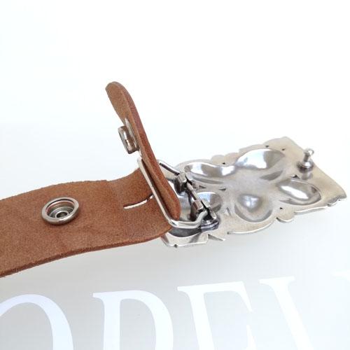 cinturó de cuir amb sivella metàl·lica. Flors. Estil Boho chic. Popelin Barcelona