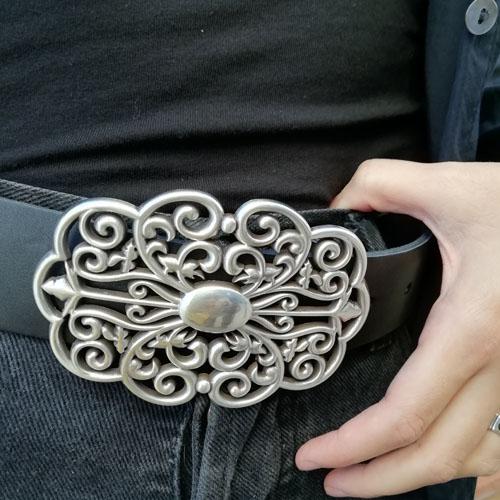 cinturó de cuir amb sivella metàl·lica. Forja. Made in Spain. Popelin Barcelona
