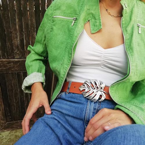 cinturó de cuir amb sivella metàl·lica. Modern i original. Popelin Barcelona