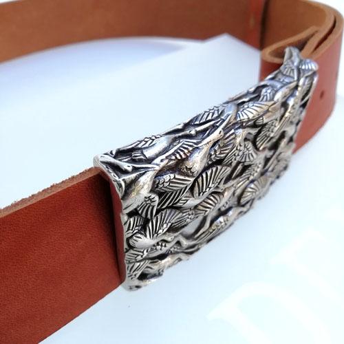cinturó de cuir amb sivella d'ocells fet a Catalunya. Popelin Barcelona