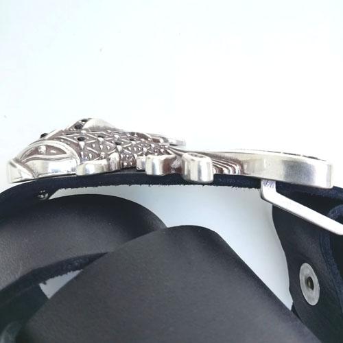 cinturó de pell i sivella Aqua amb bany de plata i cristalls Swarovsky. Regal per a dona. Popelin Barcelona