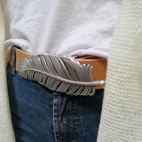 cinturon de cuero artesano hecho en Espana Popelin Barcelona