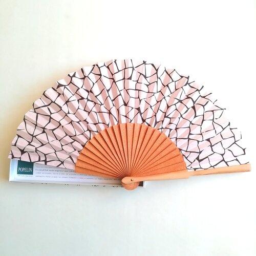 abanico rosa trencadis mosaico gaudi popelin barcelona