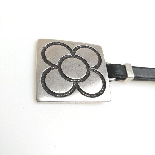 llavero flor panot metal cuero hecho diseno popelin barcelona